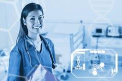 Zusammengesetztes Bild der asiatischen Krankenschwester mit dem Stethoskop, welches die Kamera betrachtet Lizenzfreie Stockfotografie