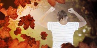 Zusammengesetztes Bild der deprimierten Frau mit den Händen angehoben Lizenzfreies Stockbild