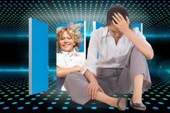 Zusammengesetztes Bild der deprimierten Geschäftsfrau sitzend mit der Hand auf Kopf Lizenzfreie Stockbilder