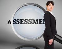 Zusammengesetztes Bild der ernsten Geschäftsfrau Stockbild