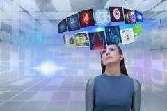Zusammengesetztes Bild der Frau und der Einzelteile 3d Lizenzfreie Stockfotos