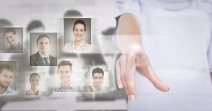 Zusammengesetztes Bild der Frau zeigend mit ihrem Finger Lizenzfreie Stockfotografie