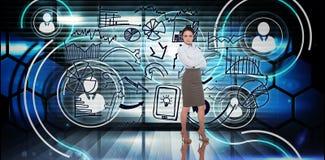 Zusammengesetztes Bild der Geschäftsfrau mit den Armen gekreuzt Lizenzfreies Stockbild