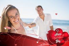 Zusammengesetztes Bild der hübschen Frau lächelnd an der Kamera mit dem Freund, der ihre Hand hält vektor abbildung