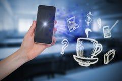Zusammengesetztes Bild der Hand Handy halten Lizenzfreies Stockbild