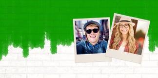 Zusammengesetztes Bild der herrlichen lächelnden blonden Hippie-Aufstellung Stockfotografie