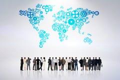 Zusammengesetztes Bild der hinteren Ansicht der multiethnischen Geschäftsleute, die nebeneinander stehen Lizenzfreies Stockbild