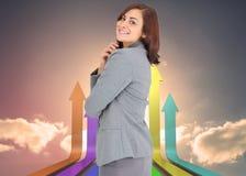Zusammengesetztes Bild der lächelnden durchdachten Geschäftsfrau Lizenzfreies Stockfoto