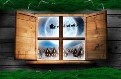 Zusammengesetztes Bild der Tannenzweigweihnachtsdekorationsgirlande Stockfotos