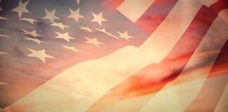 Zusammengesetztes Bild des Abschlusses oben von wir Flagge