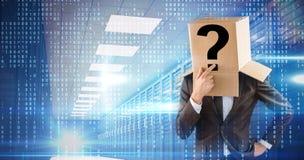 Zusammengesetztes Bild des anonymen Geschäftsmannes sein Kinn berührend Lizenzfreie Stockfotos