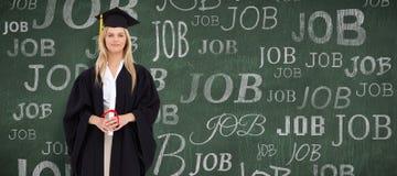 Zusammengesetztes Bild des blonden Studenten in der graduierten Robe Stockfotografie
