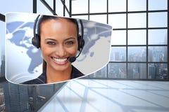 Zusammengesetztes Bild des Call-Center-Mittels auf abstraktem Schirm Lizenzfreie Stockbilder