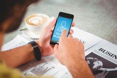 Zusammengesetztes Bild des digital zusammengesetzten Bildes des Anrufs für Freiwillige simsen mit menschlicher Ikone Stockbilder