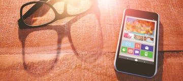 Zusammengesetztes Bild des digital zusammengesetzten Bildes des Video-Players mit verschiedenen Ikonen Lizenzfreies Stockfoto