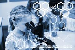 Zusammengesetztes Bild des Digitalbilds der chemischen Struktur stockbilder
