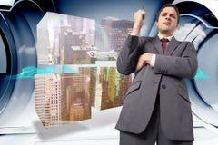 Zusammengesetztes Bild des durchdachten Geschäftsmannbehälters Lizenzfreie Stockfotos