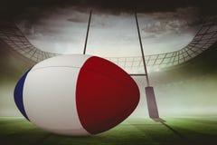 Zusammengesetztes Bild des französischen Flaggenrugbyballs Stockfotografie