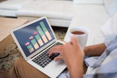 Zusammengesetztes Bild des Geschäftsdiagramms und -diagramms Stockfoto