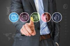 Zusammengesetztes Bild des Geschäftsmannes in der grauen Klage zeigend auf Menü Lizenzfreies Stockfoto