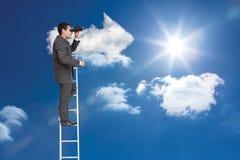 Zusammengesetztes Bild des Geschäftsmannes stehend auf Leiter Stockfotografie