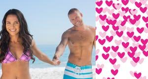 Zusammengesetztes Bild des Händchenhaltens des glücklichen Paars Lizenzfreie Stockfotografie