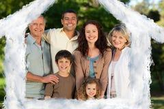 Zusammengesetztes Bild des Hausentwurfs in den Wolken Lizenzfreies Stockfoto
