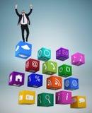 Zusammengesetztes Bild des netten Geschäftsmannes mit den Armen oben zujubelnd Lizenzfreie Stockbilder