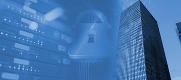 Zusammengesetztes Bild des Verschlusses auf blauem futuristischem Hintergrund Stockfoto