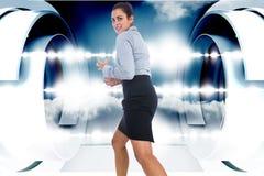 Zusammengesetztes Bild des wütenden Geschäftsfraugestikulierens Stockfotos
