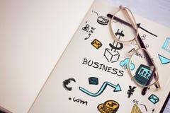 Zusammengesetztes Bild des zusammengesetzten Bildes der verschiedenen Geschäftsikonen Stockfotos