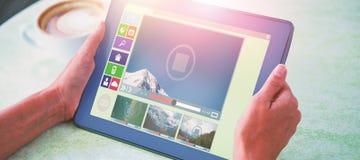Zusammengesetztes Bild des zusammengesetzten Bildes der verschiedenen Video- und Computerikonen Stockfotografie