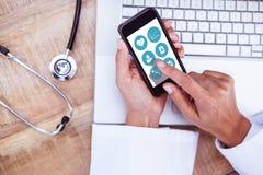 Zusammengesetztes Bild medizinischer APP stockbilder