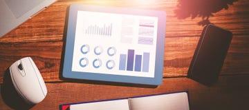 Zusammengesetztes Bild von blauen Grafiken auf weißem Hintergrund lizenzfreies stockfoto