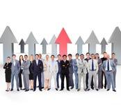 Zusammengesetztes Bild von den Geschäftsleuten, die oben stehen Lizenzfreies Stockfoto