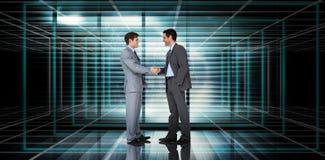 Zusammengesetztes Bild von den Geschäftsmännern, die Hände rütteln Lizenzfreie Stockfotos