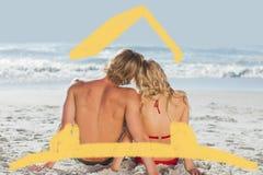 Zusammengesetztes Bild von den Paaren, die zurück zu Kamera sitzen Stockbild