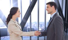 Zusammengesetztes Bild von den zukünftigen Partnern, die Hände rütteln Lizenzfreie Stockfotos