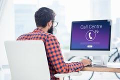 Zusammengesetztes Bild von Ikonen mit Call-Center-Text Stockbild