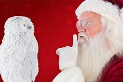 Zusammengesetztes Bild von Vaterweihnachten bittet um Ruhe Lizenzfreie Stockbilder