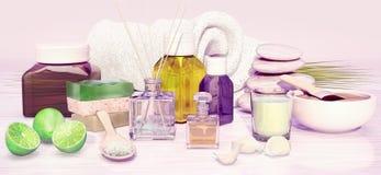 Zusammensetzung der Badekur, Kalk, handgemachte Seife, aromatisches Öl, Lizenzfreies Stockfoto