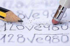 Zusammensetzung des Bleistifts, des Gummis und des Papiers lizenzfreies stockfoto