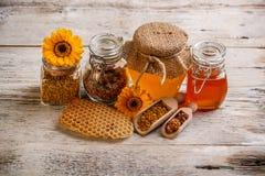 Zusammensetzung des Honigs stockfotos