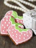 Zusammensetzung für Valentinstag mit Ingwerlebkuchen Stockbild