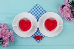 Zusammensetzung mit Schalen für Valentinsgruß-Tag Lizenzfreies Stockbild