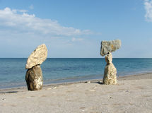 Zusammensetzung mit unterschiedlichen Steinen und Meer Lizenzfreie Stockfotografie
