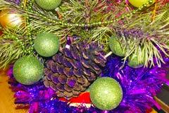 Zusammensetzung von Spielwaren und von Weihnachtsbaum lizenzfreie stockbilder