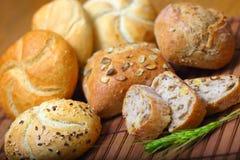 Zusammenstellung der gebackenen Brote lizenzfreies stockfoto