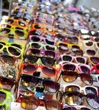 Zusammenstellung der Sonnenbrillen Stockfotografie
