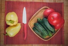 Zusammenstellung des Frischgemüses, Herbsternte, vegetarische Gerichte kochend stockfoto